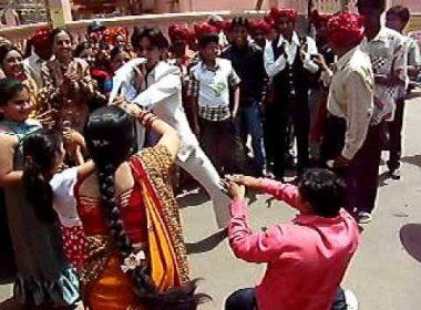 """അടിച്ചു പാമ്പായി വരന്റെ """"നാഗിൻ നൃത്തം,"""" വിവാഹം വേണ്ടെന്ന് വധു; ഒടുവിൽ കൂട്ടത്തല്ലും"""