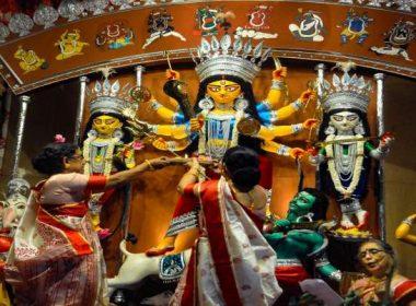 ബംഗ്ലാദേശിൽ ഹിന്ദുക്കൾക്ക് നേരെയുള്ള അക്രമം; അപല പിച്ച് ഇന്ത്യ; പ്രതികളെ വെറുതെ വിടില്ലെന്ന് ബംഗ്ല പ്രധാനമന്ത്രി